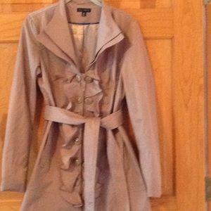 Ladies stylish 3/4 trench coat